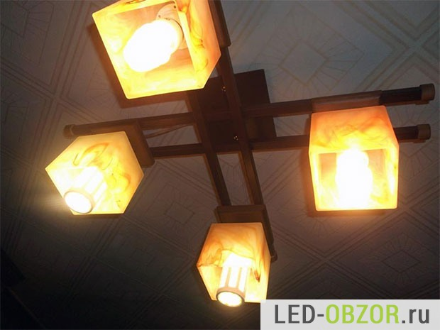 Энергосберегающая и светодиодная в люстре