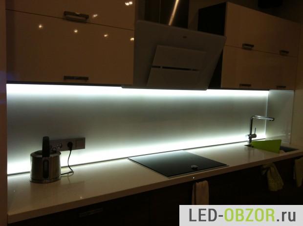 Установка светодиодной ленты на кухне